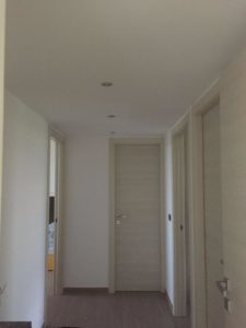 Corridoio e particolare porte