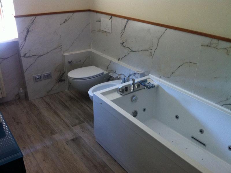 Ristrutturazioni di lusso milano per case ville e - Bagno di marmo ...