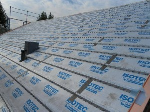Posa pannelli per isolamento tetto
