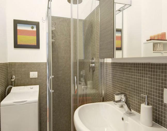 Appartamento ristrutturato6 migliari snc for Appartamento sinonimo