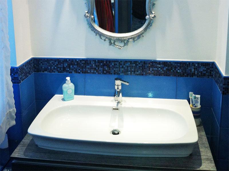 Mosaico bisazza a milano posa per bagno interni ed esterni.